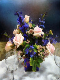 Pink Roses and Purple Delphinium von Susan Savad