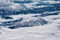 Alpengipfel in den Wolken von Viktor Peschel