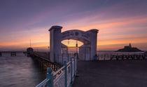 Dawn at Mumbles Pier von Leighton Collins