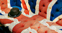 Union Jack Flag English Sofa and Bowler Hat von John Williams