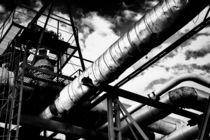 Industrial Metal Piping in Monochrome von John Williams