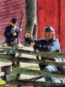 Union Soldier Loading Rifle von Susan Savad