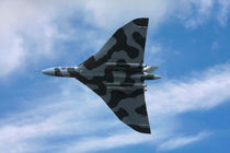 Vulcan bomber in flight by Steve Ball