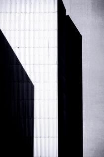 Eckige Schatten by Bastian  Kienitz