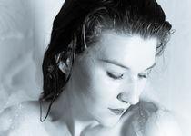 Wife in Shower von Jan  Lambrecht