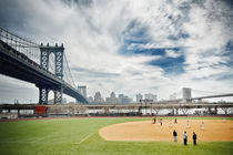 New York Baseball Field near Manhattan Bridge von Thomas Schaefer
