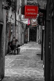 Venedig Gasse von Helge Lehmann
