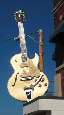 Gitarre am weltberühmten Sun Studio in Memphis by Christian Hallweger