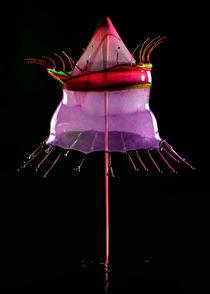 Water sculpture in red and purple by Jarek Blaminsky