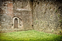 Toskana Stadtmauer / town wall Tuscany by Thomas Schaefer