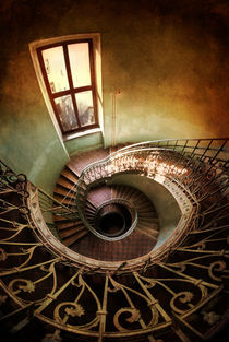 Spiral staircaise with a window von Jarek Blaminsky