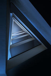 Triangle staircase in blue tones by Jarek Blaminsky