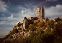 An old abandoned castle von Jarek Blaminsky