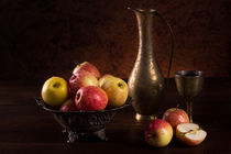 Apples and wine von Lana Malamatidi