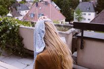 Frau mit Tuch von rampizampi