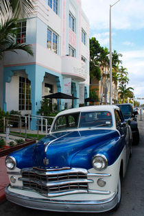 Oldtimer am Ocean Drive in Miami Beach von Mellieha Zacharias