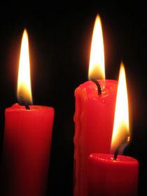 drei rote Kerzen by Angelika  Schütgens
