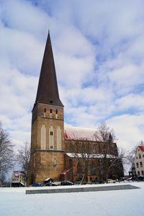 Rostocks Petrikirche im Winter (Südansicht) von Sabine Radtke