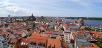 Blick auf Rostock vom Petriturm Richtung Nordwesten von Sabine Radtke