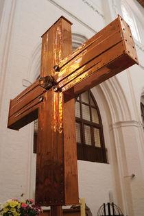 Altarkreuz der Petrikirche Rostock (Rückseite) von Sabine Radtke