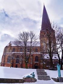 Nordansicht der Rostocker Petrikirche im Winter von Sabine Radtke
