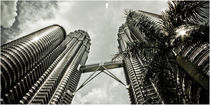 Petronas Towers by Ralf Ketterlinus