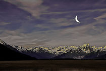Crescent Moon Over the Mountains von Amber D Hathaway Photography