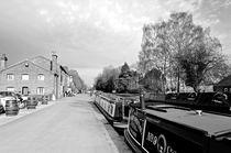 Boats at Fradley Junction von Rod Johnson