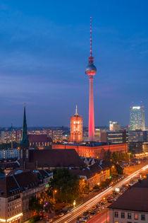 Berliner Fernsehturm bei Nacht von Franziska Mohr