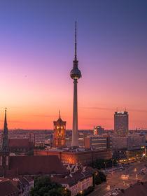 Berliner Fernsehturm im Sonnenuntergang von Franziska Mohr