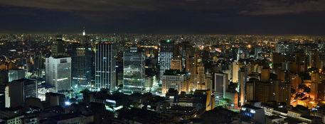 Sao-paulo-view-from-terraco-italia-by-night-by-carlos-alkmin-4086