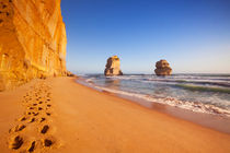 Twelve Apostles on the Great Ocean Road, Australia at sunset von Sara Winter