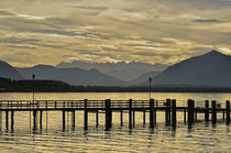 Blick in die Alpen - Chiemsee by Peter Bergmann