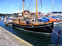 Fischerboot im Hafen von shark24