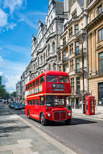London bus on Piccadilly by Andrew Michael
