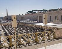Stühle auf dem Petersplatz by cbies