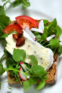 Steinpilz-Pfifferling-Käse mit Vogelmiere-Salat und Mandeln by lizcollet