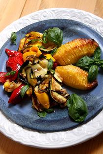 Antipasti und Fächerkartoffeln III von lizcollet