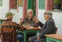 Older men remember the past von Yuri Hope