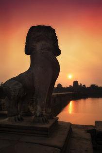Angkor Lion & Sunrise by Luis Henrique de Moraes Boucault