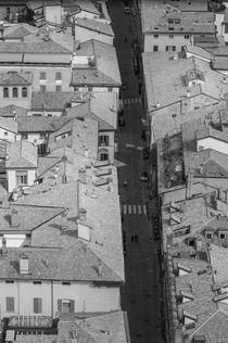 Bologna-strada-maggiore-dalla-torre-degli-asinelli