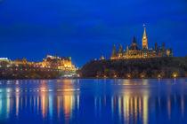 Canada Parliament & Blue Hour von Luis Henrique de Moraes Boucault