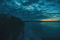 Blaue Stunde am See by Heiko Döhrling