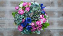 Bouquet of roses, poppies, hydrangeas and white flowers. von Marina Dvinskykh