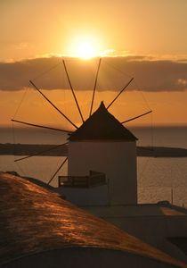 'Mühle auf Santorin im Sonnenuntergang' by Nicola Furkert
