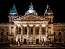 Bundesverwaltungsgericht Leipzig bei Nacht No. 1 von Roland Hemmpel