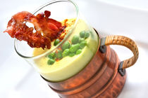Erbsensuppe-mit-bacon