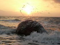 Meerestropfen die Sonne umarmt by Simone Marsig