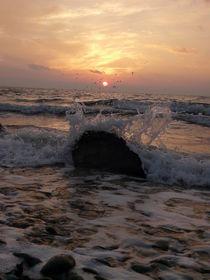 """""""Meerestropfen die Sonne berührt"""" von Simone Marsig"""