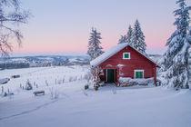 Rotes Haus im Winter by Heidi Bücker
